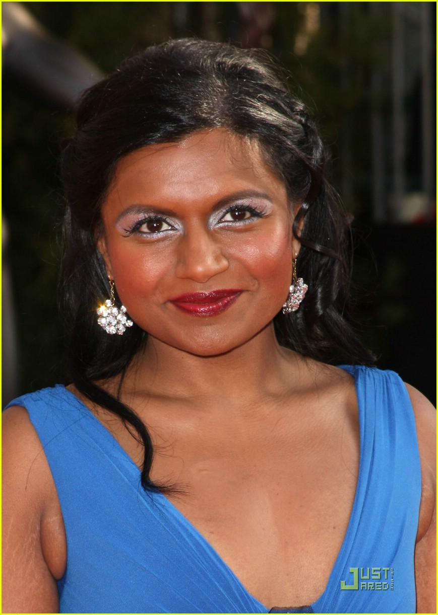 Pictures of Mindy Kaling   Pictures Of Celebrities 869x1222