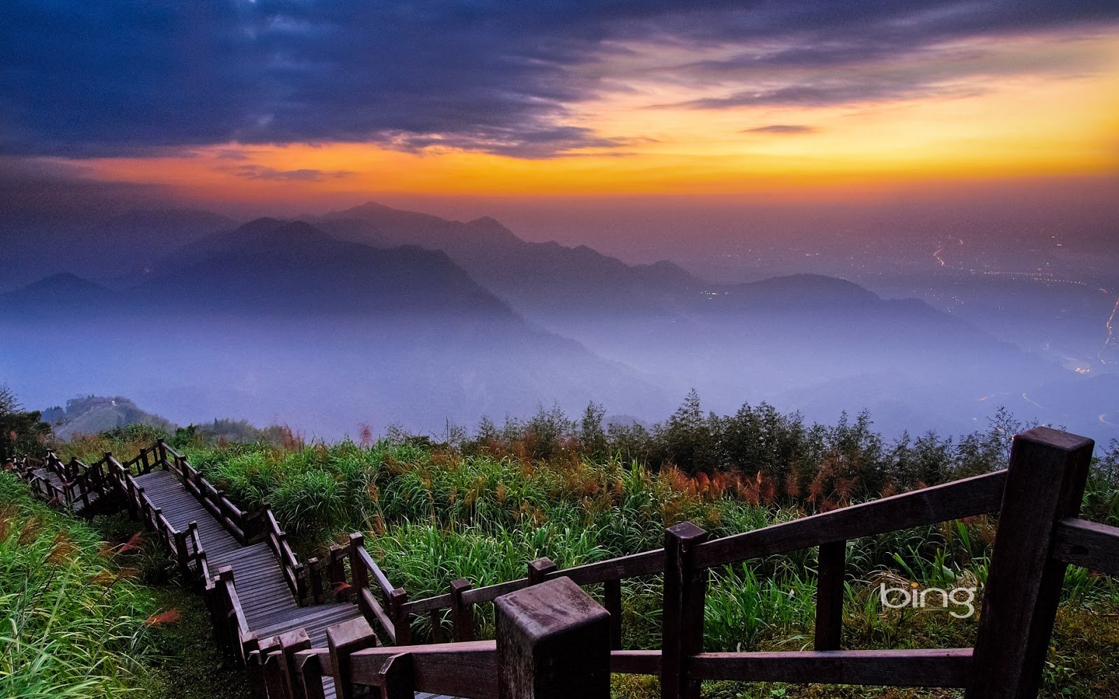 Alishan National Scenic Area Chiayi Country Taiwan Kyle Lin 1600x1000