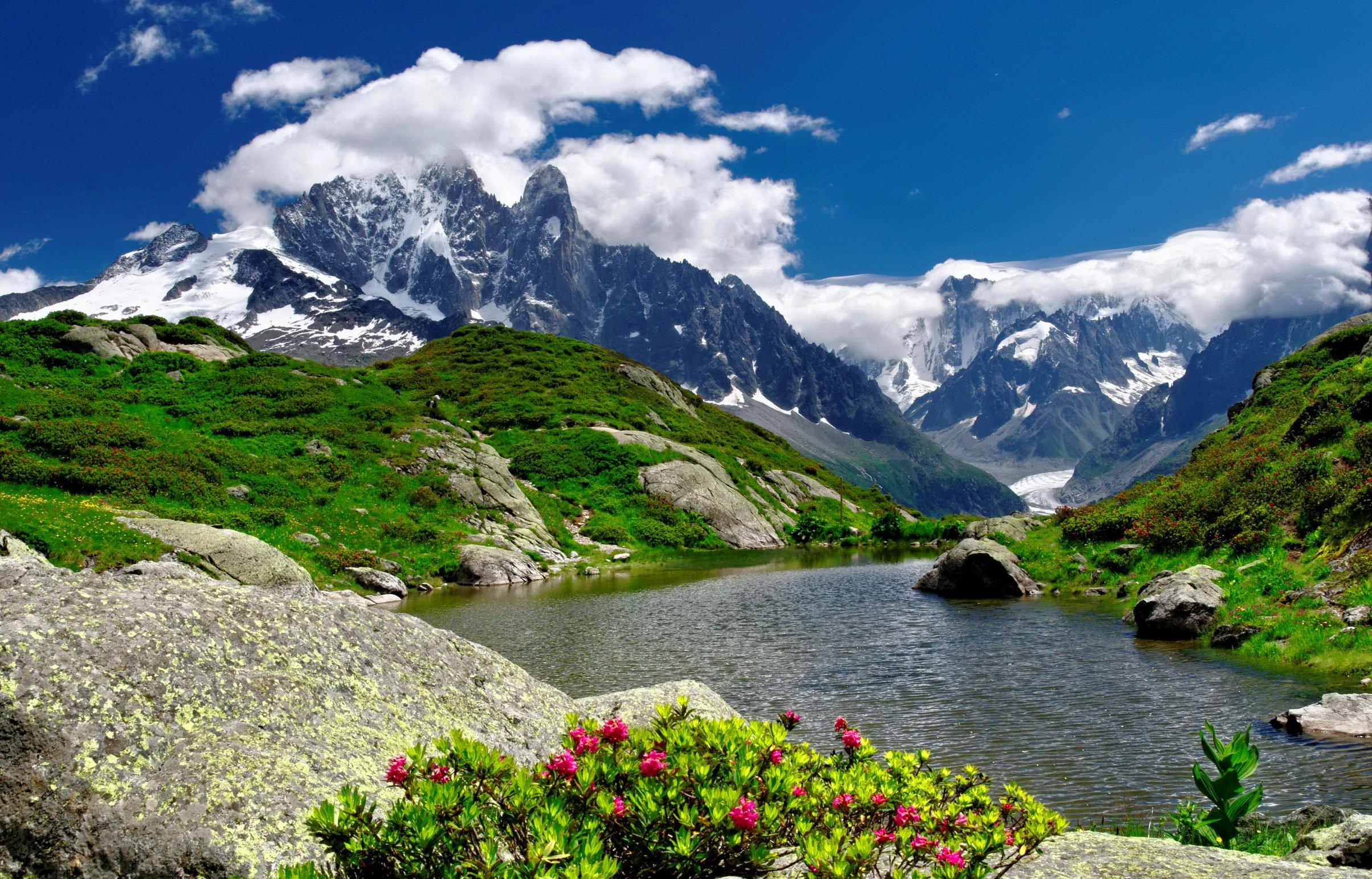 River With Mountain Hd Wallpaper: Mountain River Wallpaper