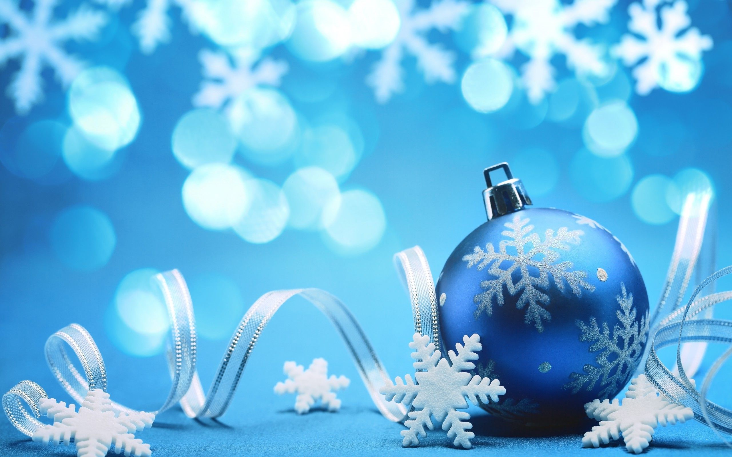 Blue Christmas decorations wallpaper 2560x1600
