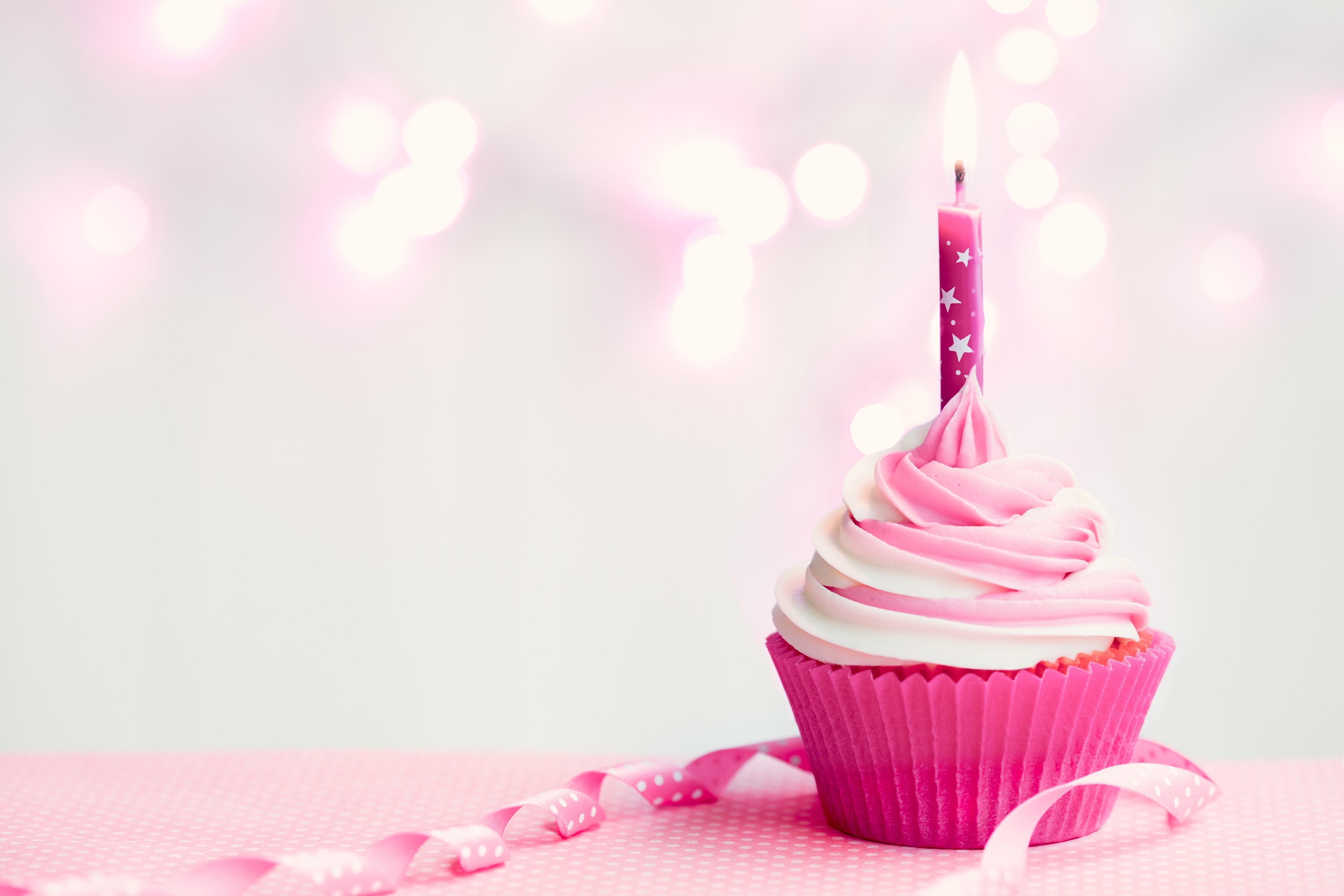 Pink Cupcake Backgroun...
