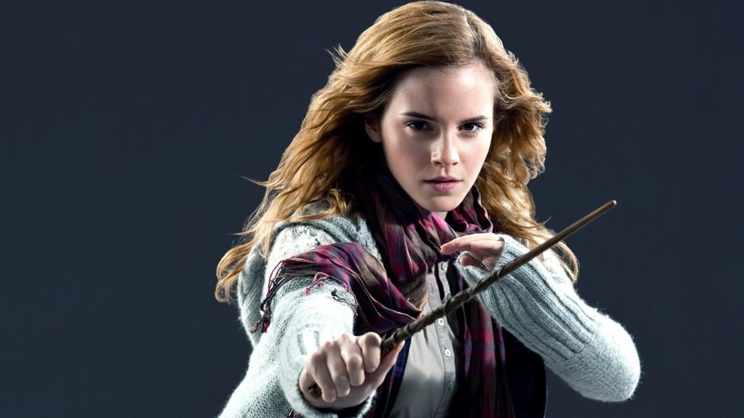Emma Watson Hermione Granger HD Wallpaper of Celebrities 1080x607