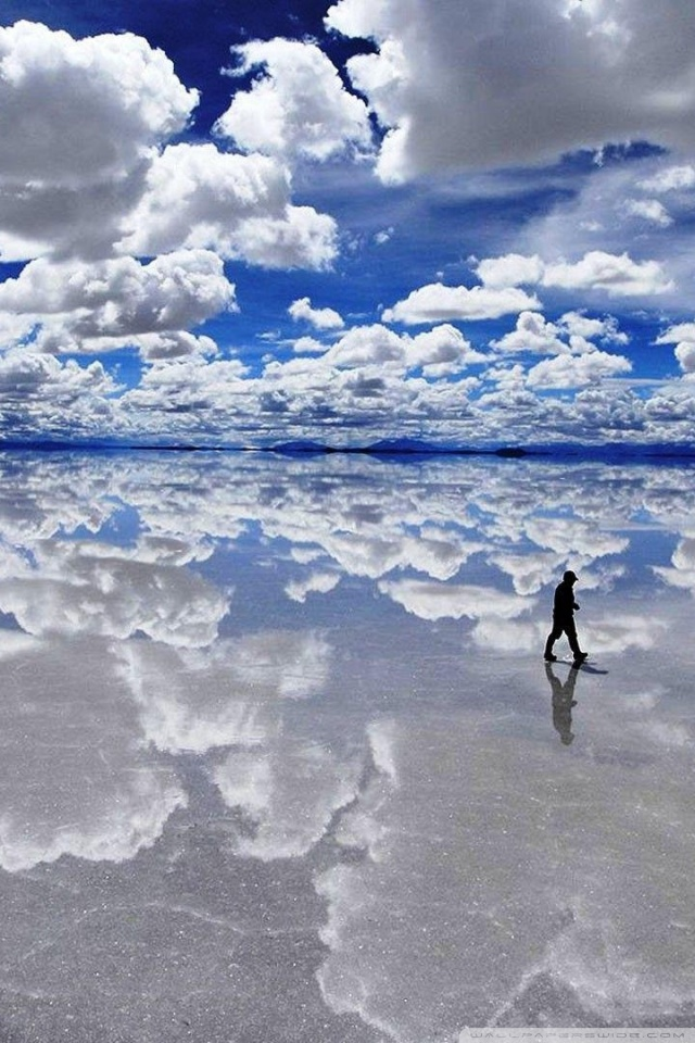 Salar de Uyuni Bolivia 4K HD Desktop Wallpaper for 4K Ultra HD 640x960