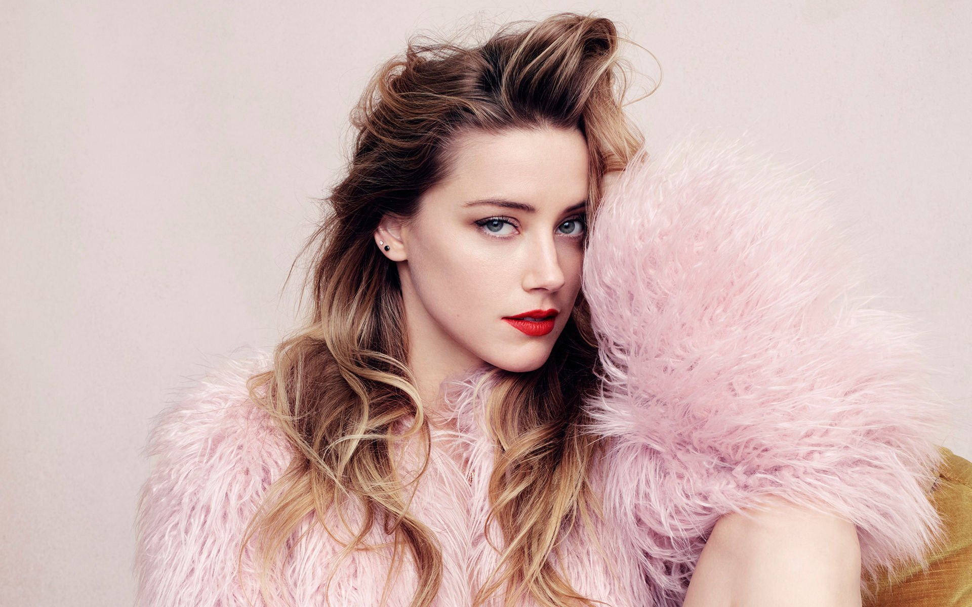 Amber Heard Wallpapers and Background Images   stmednet 1920x1200