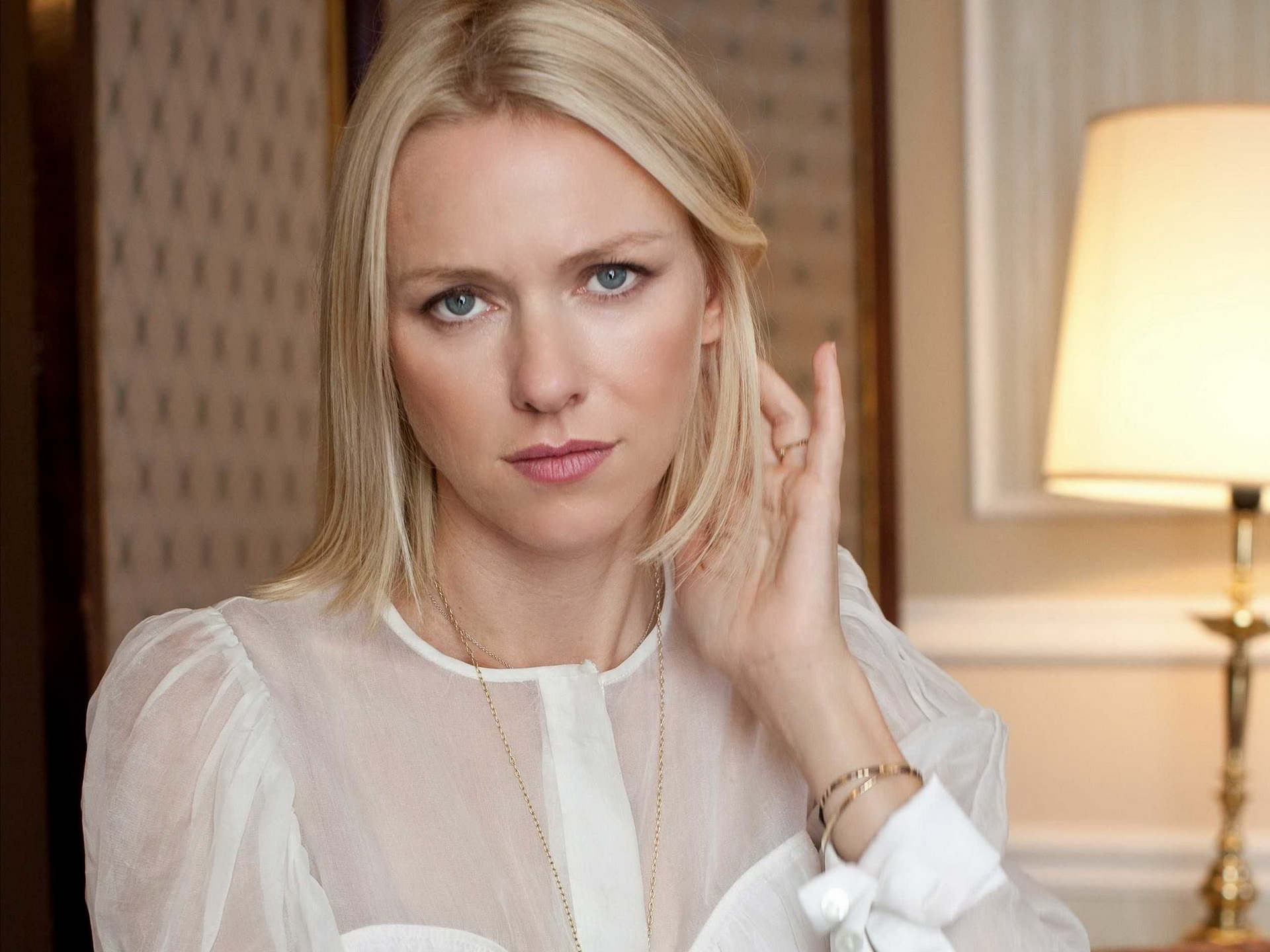 Naomi Watts Wallpapers Hd Collection For Download 1920x1440