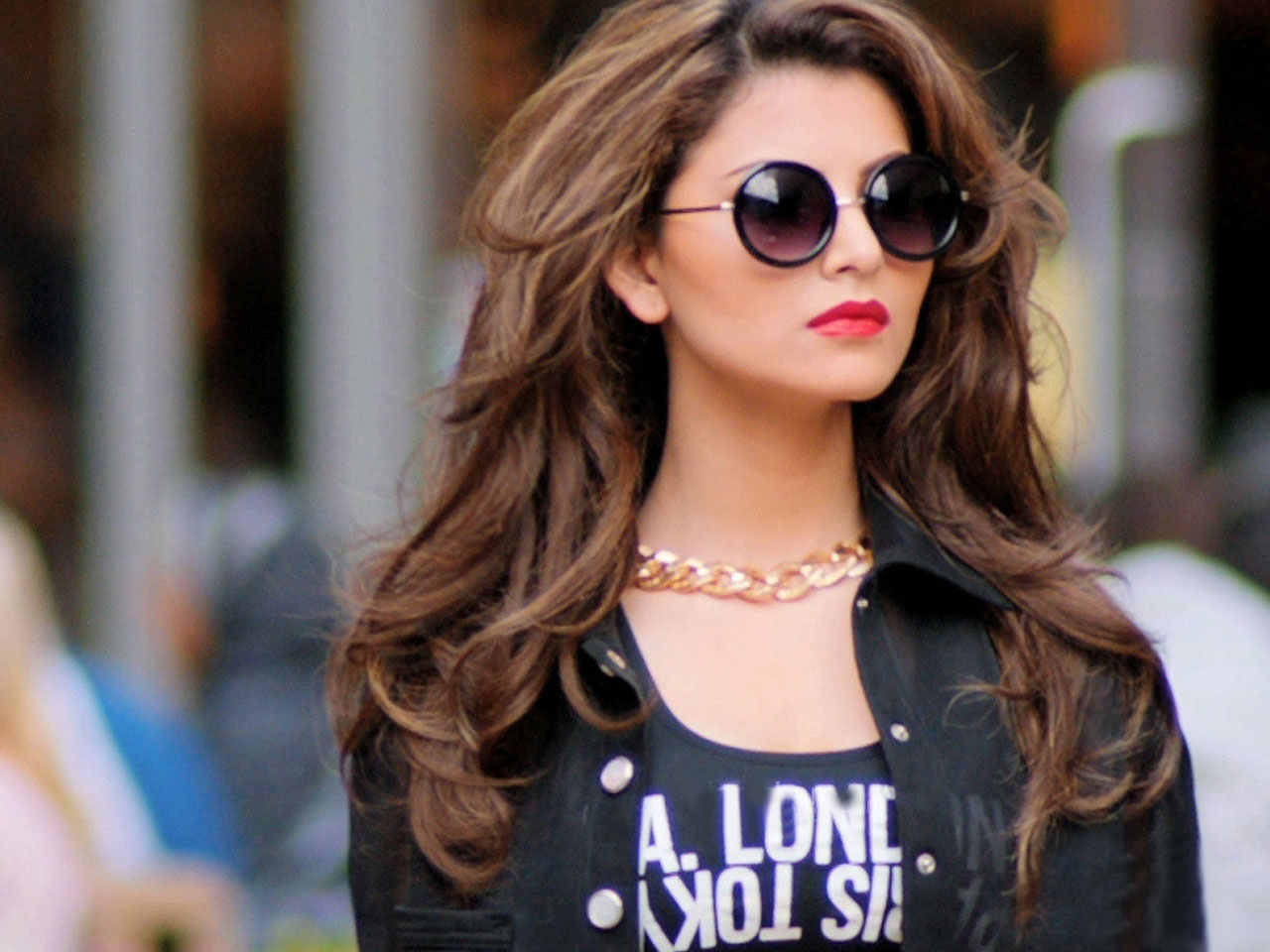 Dynamic Views Best Picture Urvashi Rautela Image Download: Latest Wallpaper 2015 Bollywood Heroines