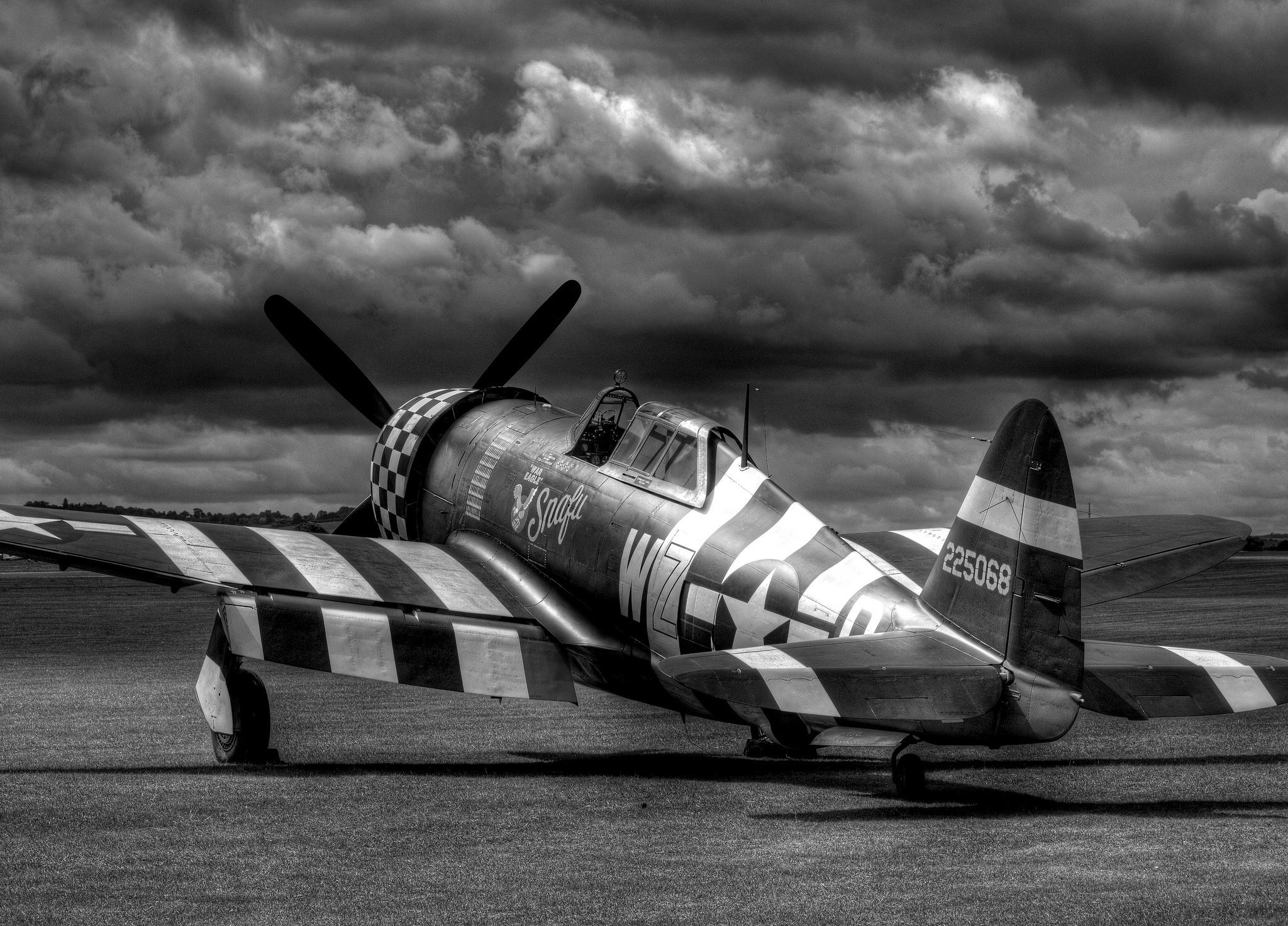 monochrome Aircraft Military Republic P 47 Thunderbolt 2048x1472