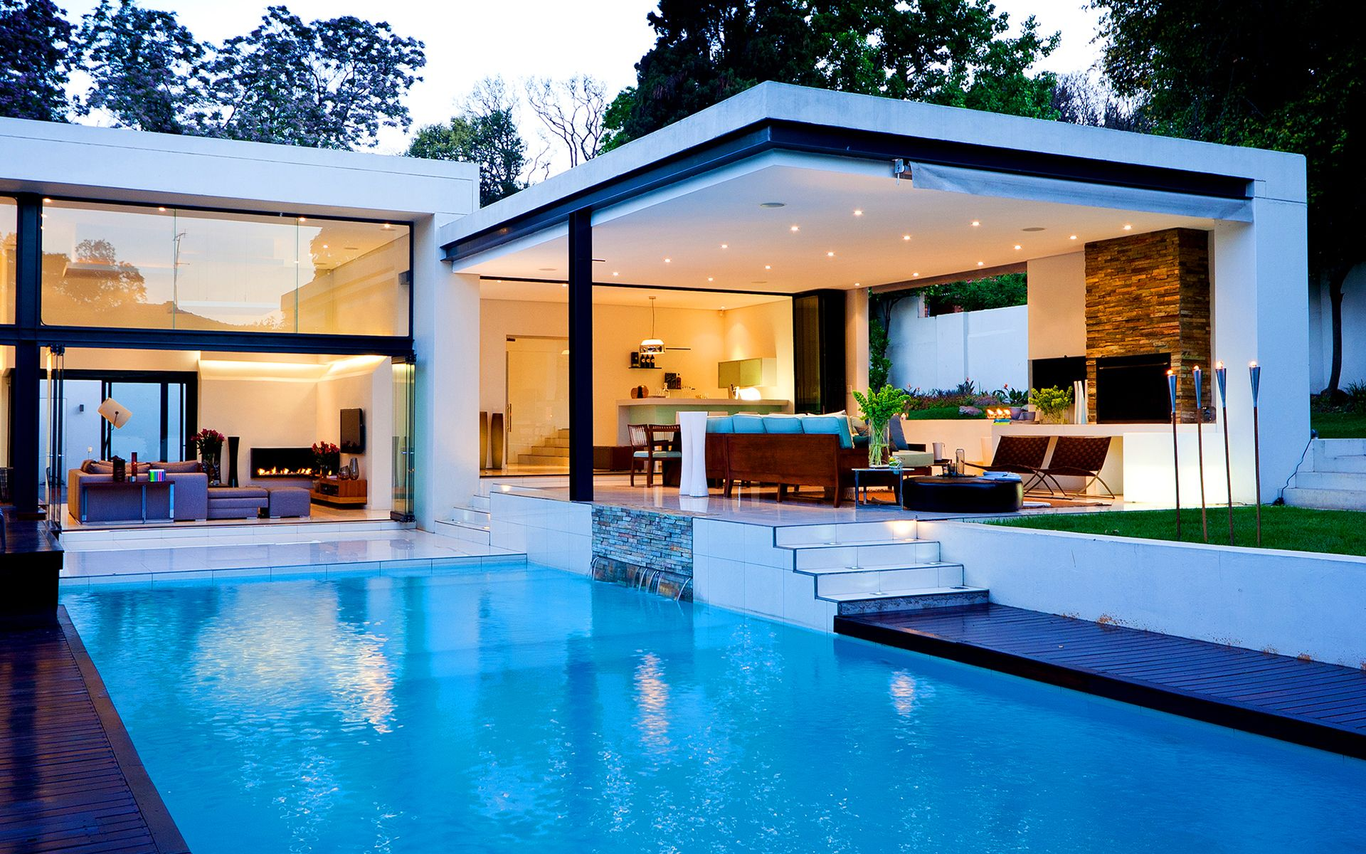 homes with pools Luxury house with pool Wallpapers Pictures 1920x1200