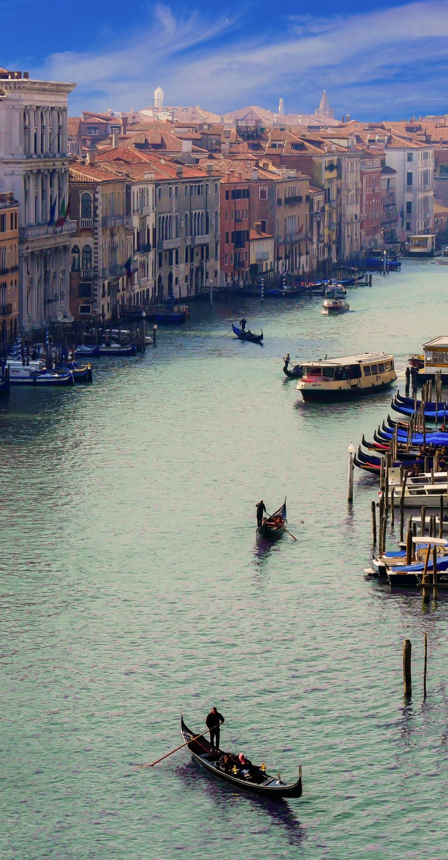 City river boat wallpaper 1440x2764