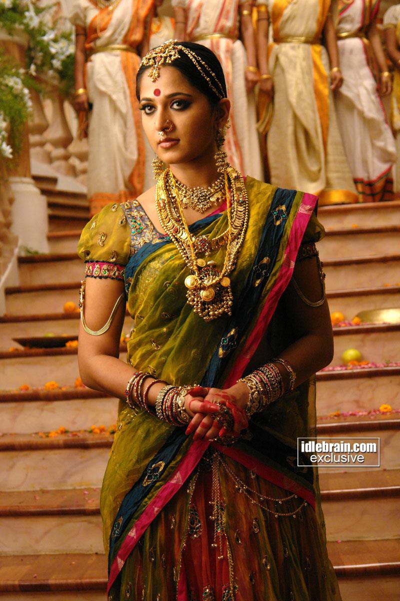 Arundhati Wallpapers Arundhati Anushka Movie Stills Telugu 800x1200