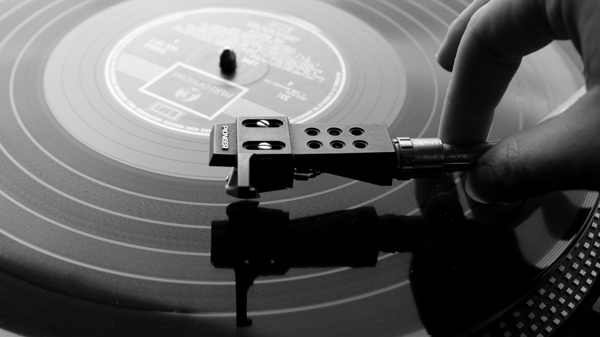 Sound Vinyl Records Vs Digital Files 1920x1080