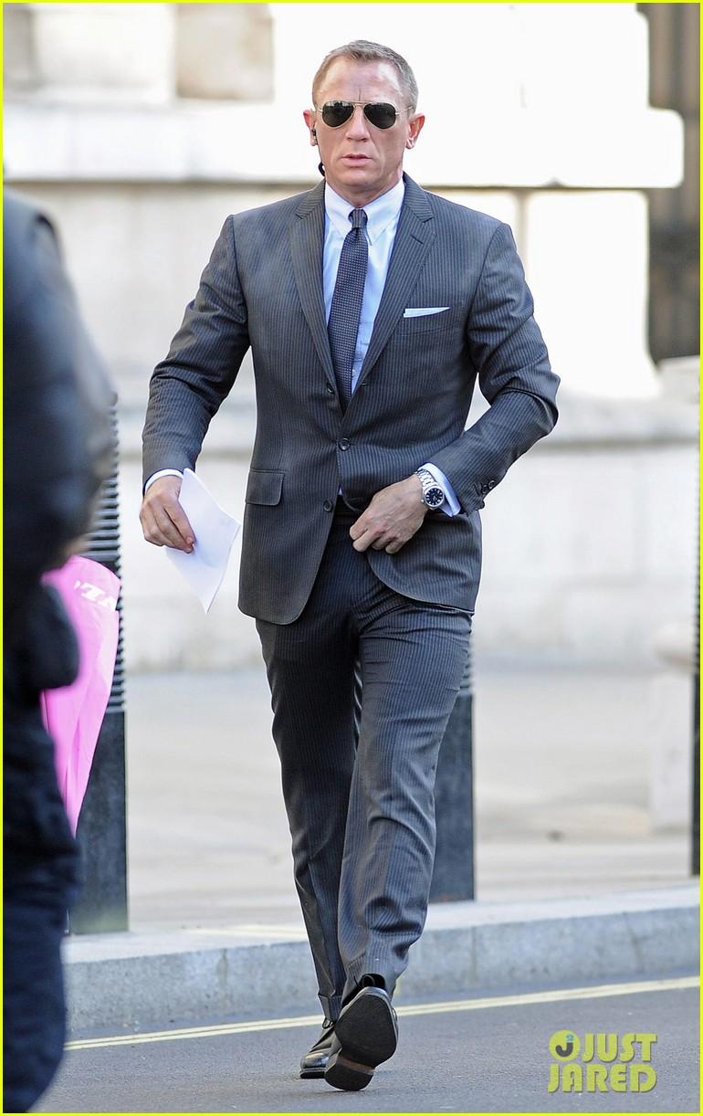 Daniel Craig images Daniel Craig Skyfall Set With Judi Dench 770x1222