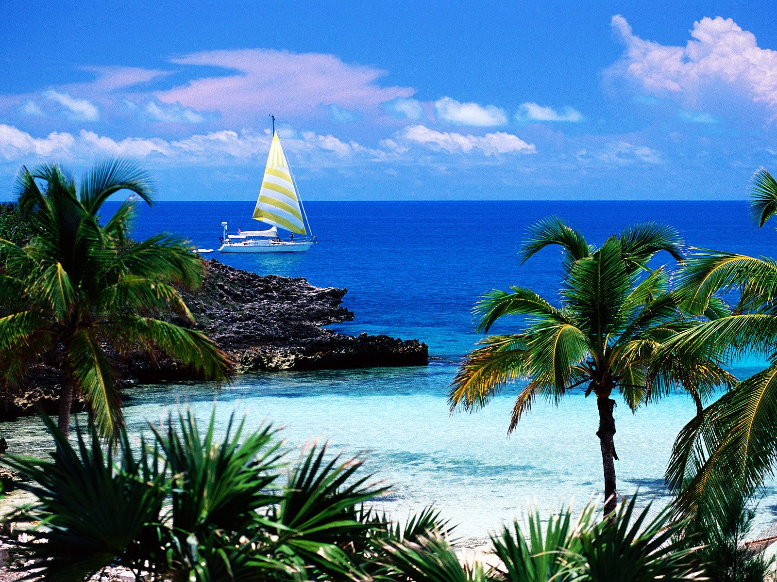 Island Bahamas Wallpaper and make this wallpaper for your desktop 1600x1200