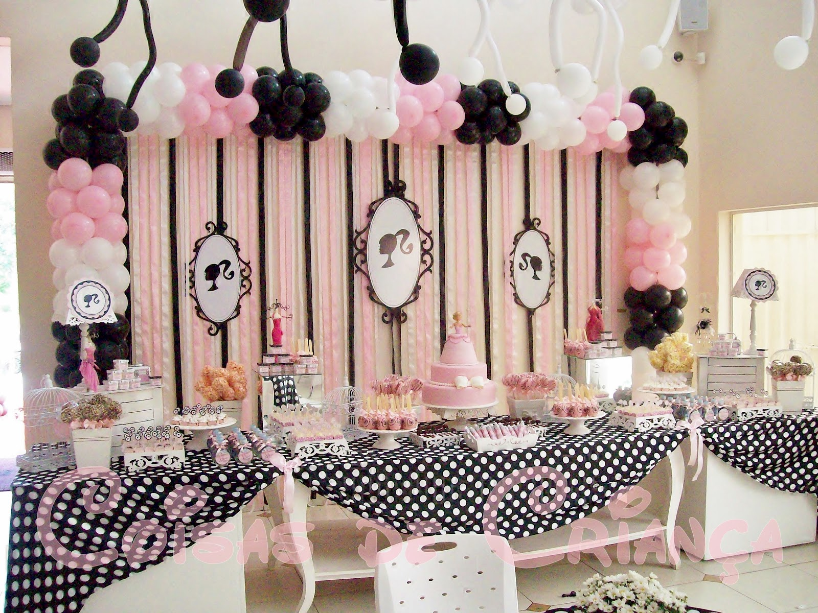 decorations-for-glamorous-party-for-girls-captain-amelia-pussy