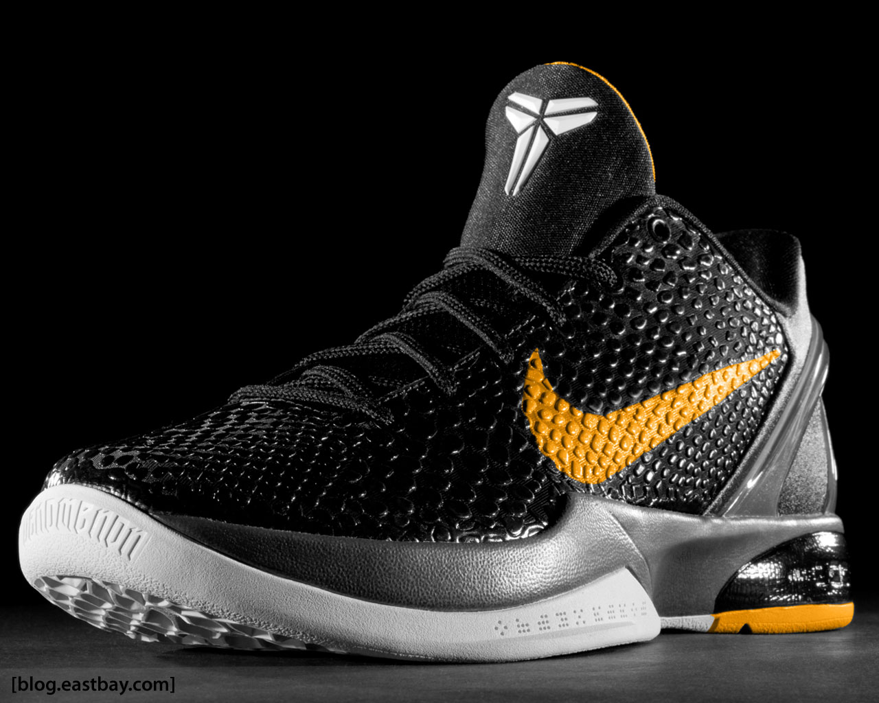 Look for these to be available at Eastbay at the end of December 1280x1024