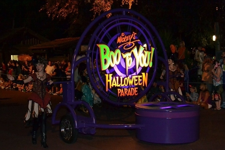 URL httpwwwsmscscomphotodisney halloween wallpaper26html 750x500