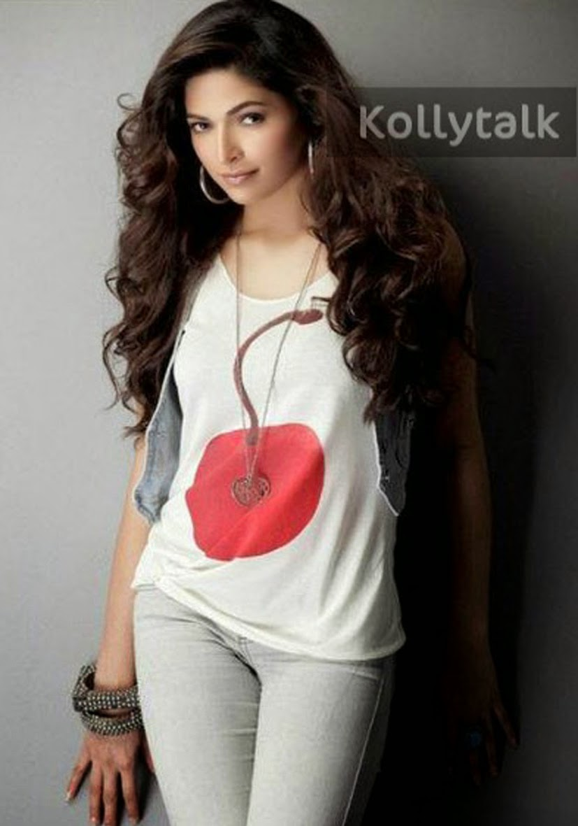 Huma qureshi hot sexy pics-4443