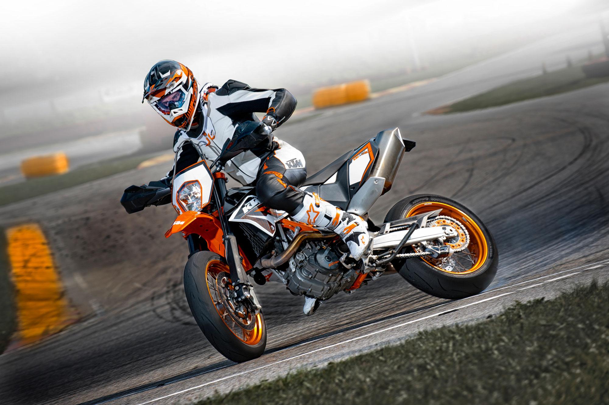 2012 KTM 690 SMCR wallpaper 2000x1331 91043 WallpaperUP 2000x1331