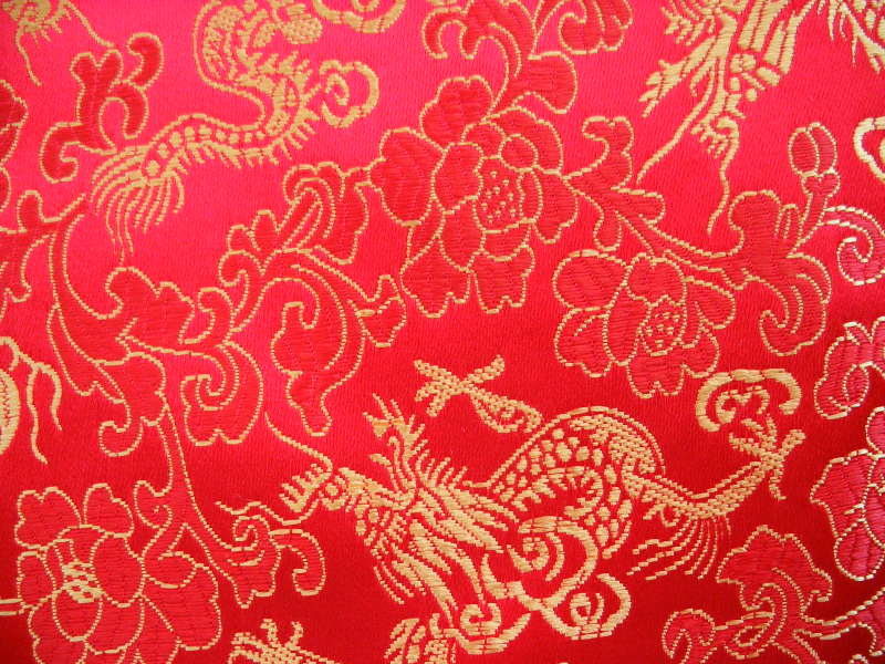 Brilliant red background with metallic gold dragons and flowers Code 800x600