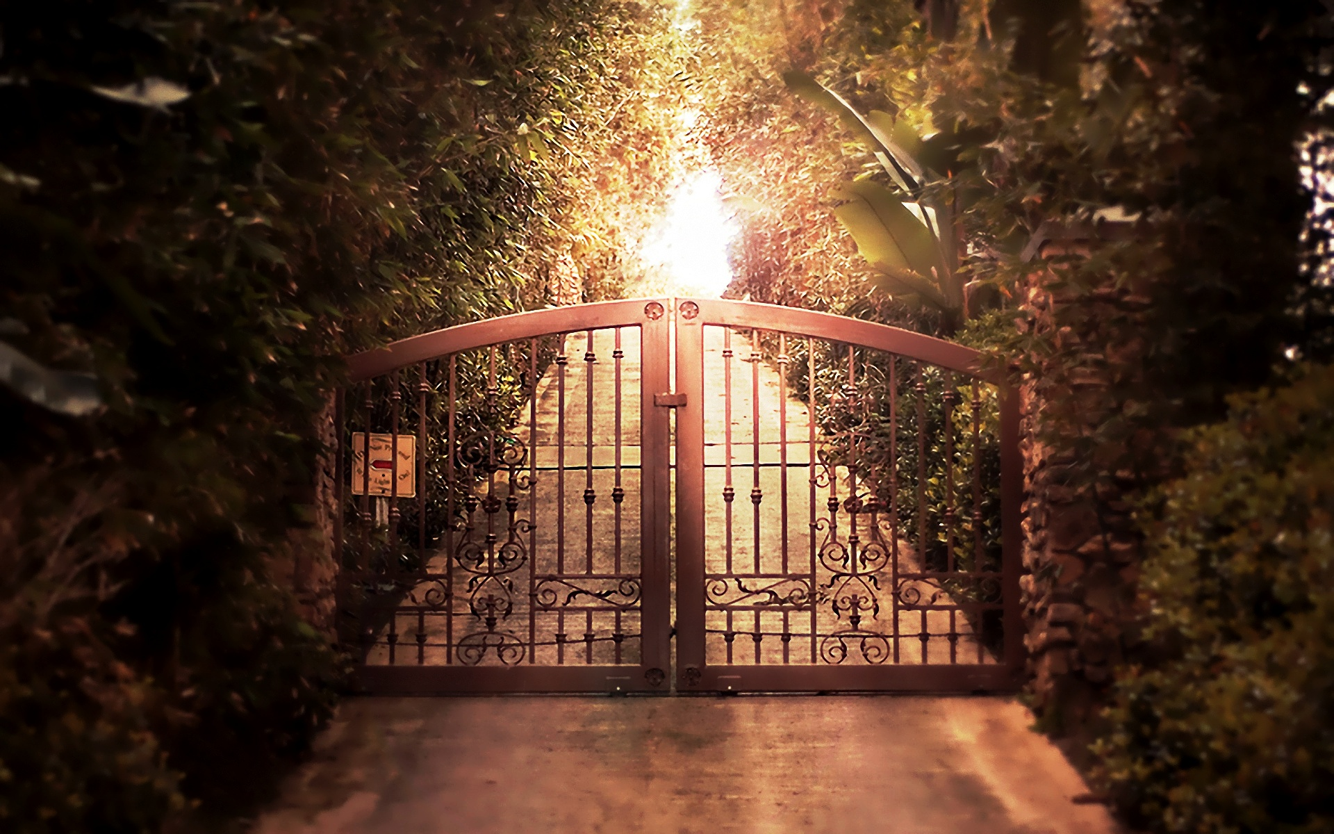 Gate Wallpapers 78623 Kb   4USkY 1920x1200