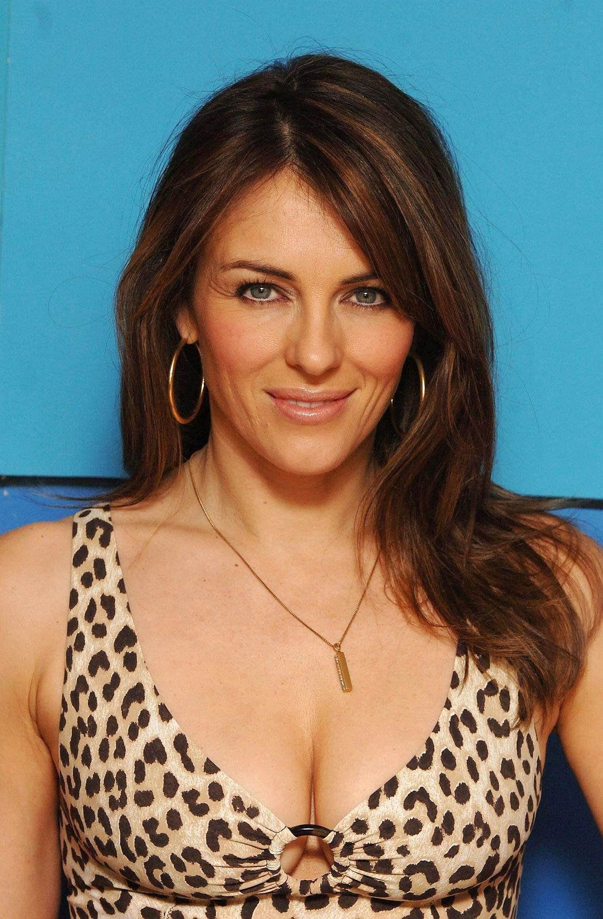 Elizabeth Hurley photo 359 of 735 pics wallpaper   photo 1173x1787