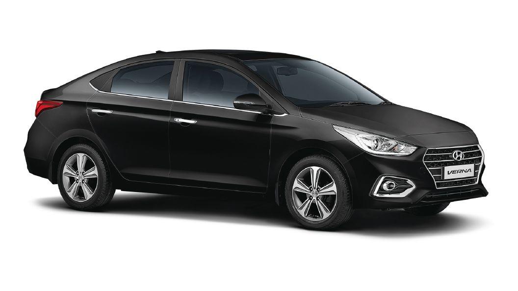 Hyundai Verna Images Interior Exterior Photo Gallery   CarWale 1056x594