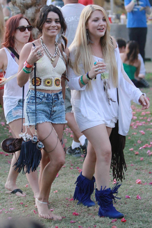 Vanessa Hudgens at Coachella Music Festival Day 3   GotCeleb 2000x3000