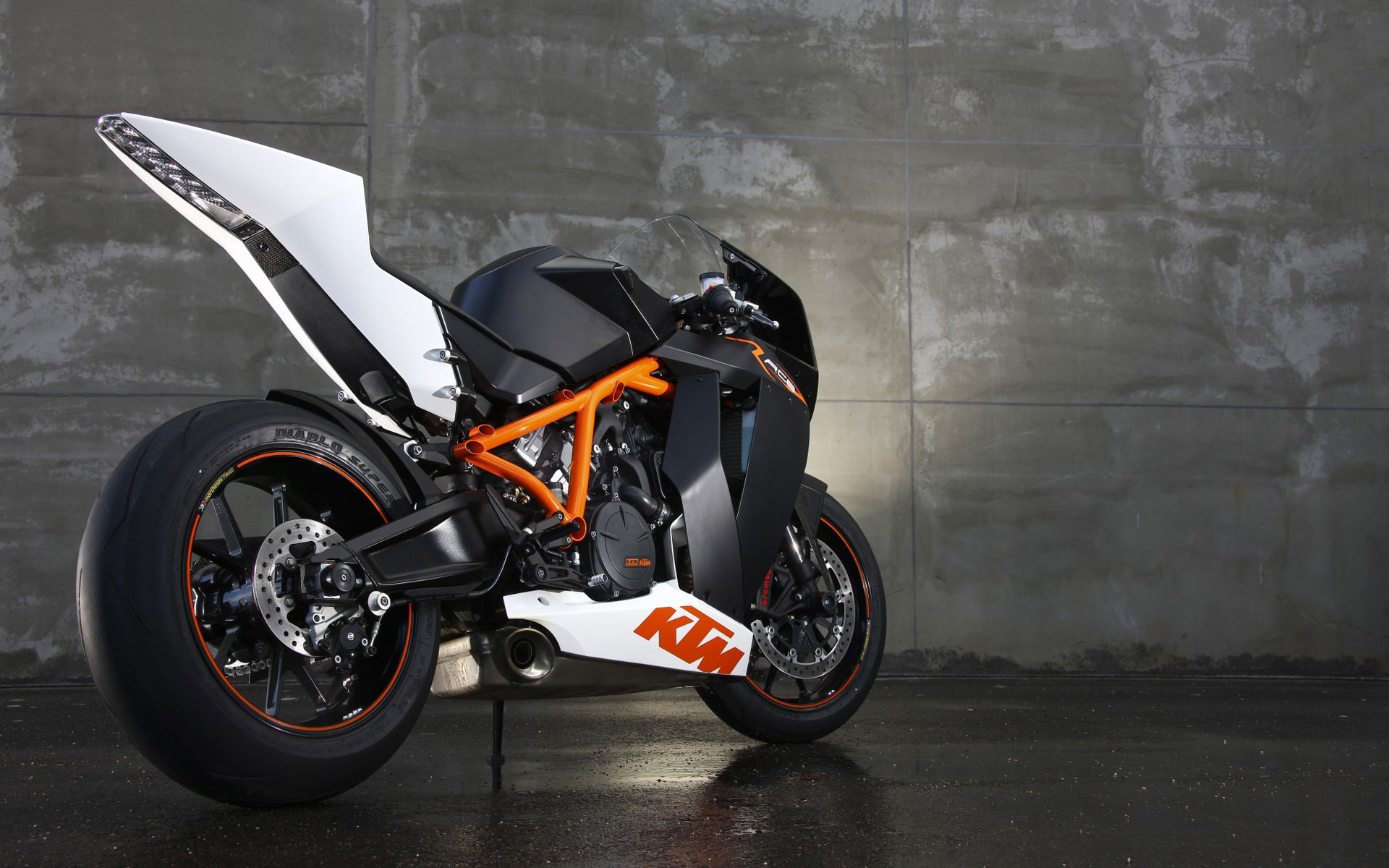 KTM 1190 RC8 R Wallpapers HD Wallpapers 1920x1200