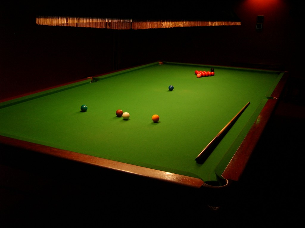 16610 pool table wallpaper 1024x768