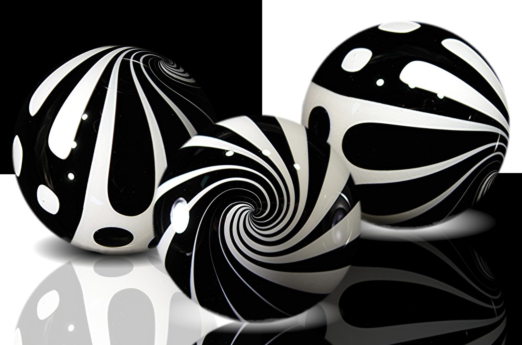 22 Adorable Black White Wallpapers Design Inspiration PSD 1773x1172