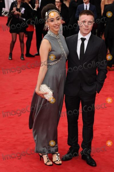 Photos and Pictures   Oona Chaplin and Joe Dempsie 400x600