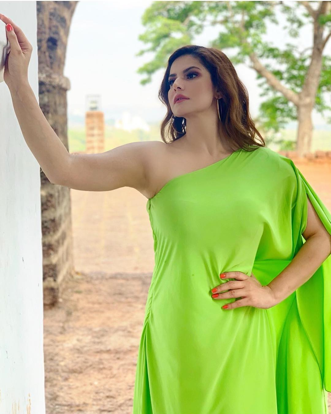 Zareen Khan top 30 Hottest HD Photos Wallpaper 2019 1080x1350