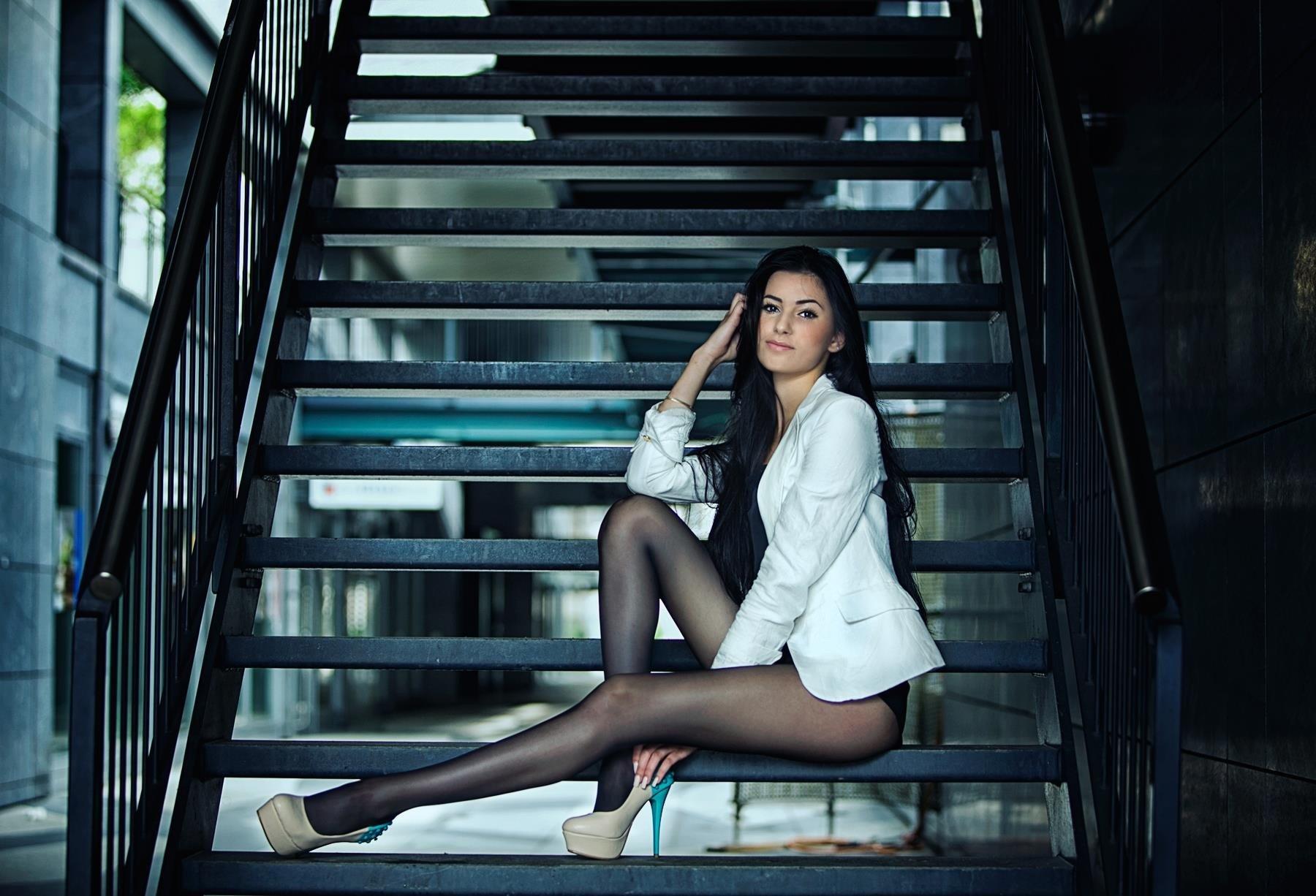 Super model tiffani thompson fingers her juicy pussy - 4 3
