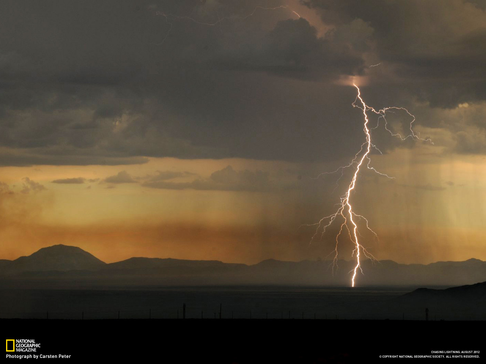 fire ignited by a lightning storm near Elephant Butte New Mexico 1600x1200