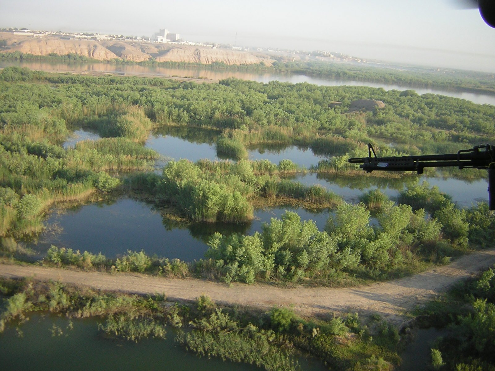 Aerial view of the Tigris River on approach to Tikrit Iraq   Imgur 1600x1200