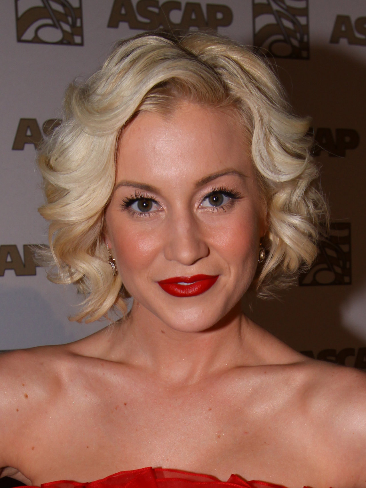 Sexiest pictures of kellie pickler, little girls asshole galleries