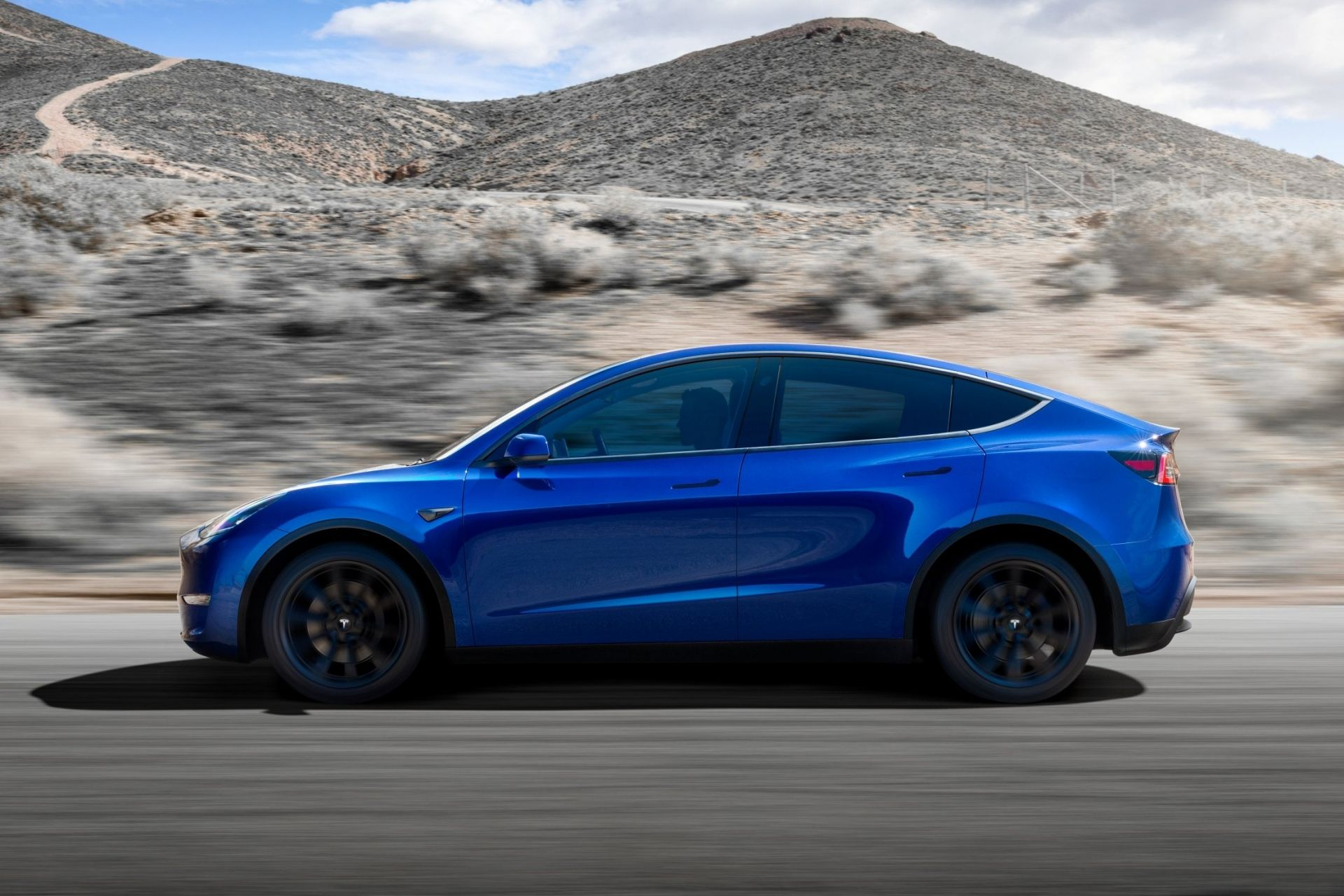 HD 2021 Tesla Model Y wallpapers and photos and images collection 1920x1280