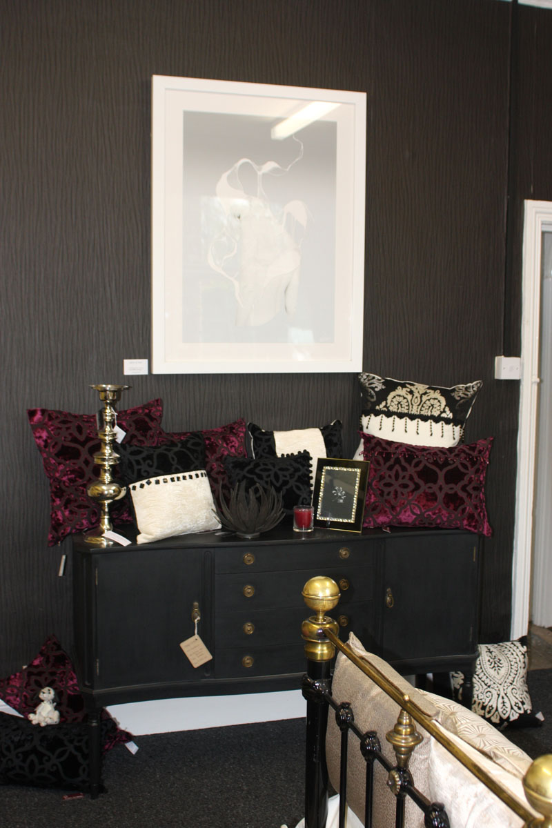 Black Villa Nova wallpaper at Cherry Tree Interiors Harborne 800x1200