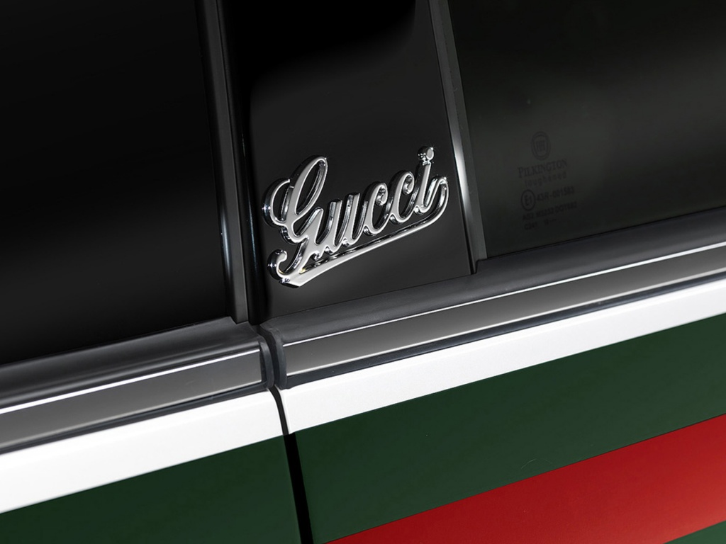 1024x768 Fiat 500 Gucci Logo desktop PC and Mac wallpaper 1024x768