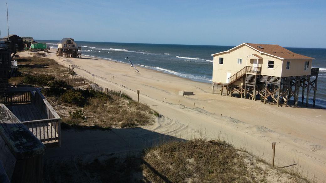 Nags Head plans 2018 beach nourishment after Hurricane Matthew 1040x585