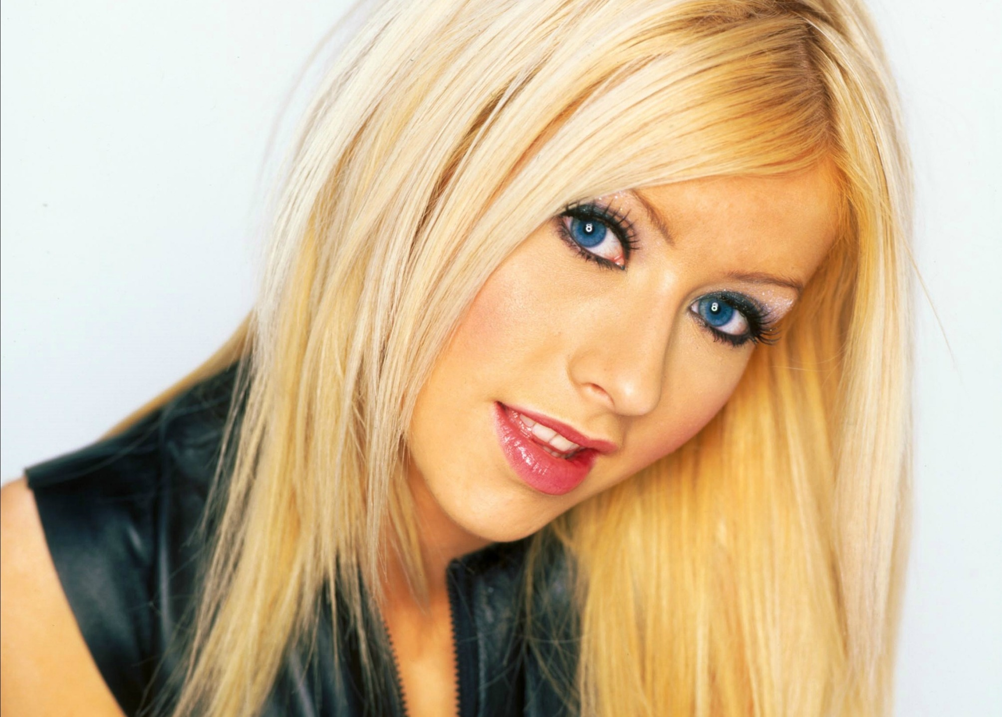 Christina Aguilera HD Wallpaper Background Image 2008x1437 2008x1437