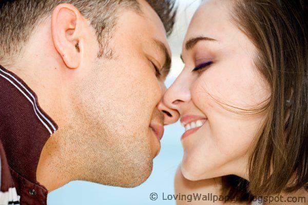 Loving Couple Kiss HD Wallpaper - Cute Wallpaper