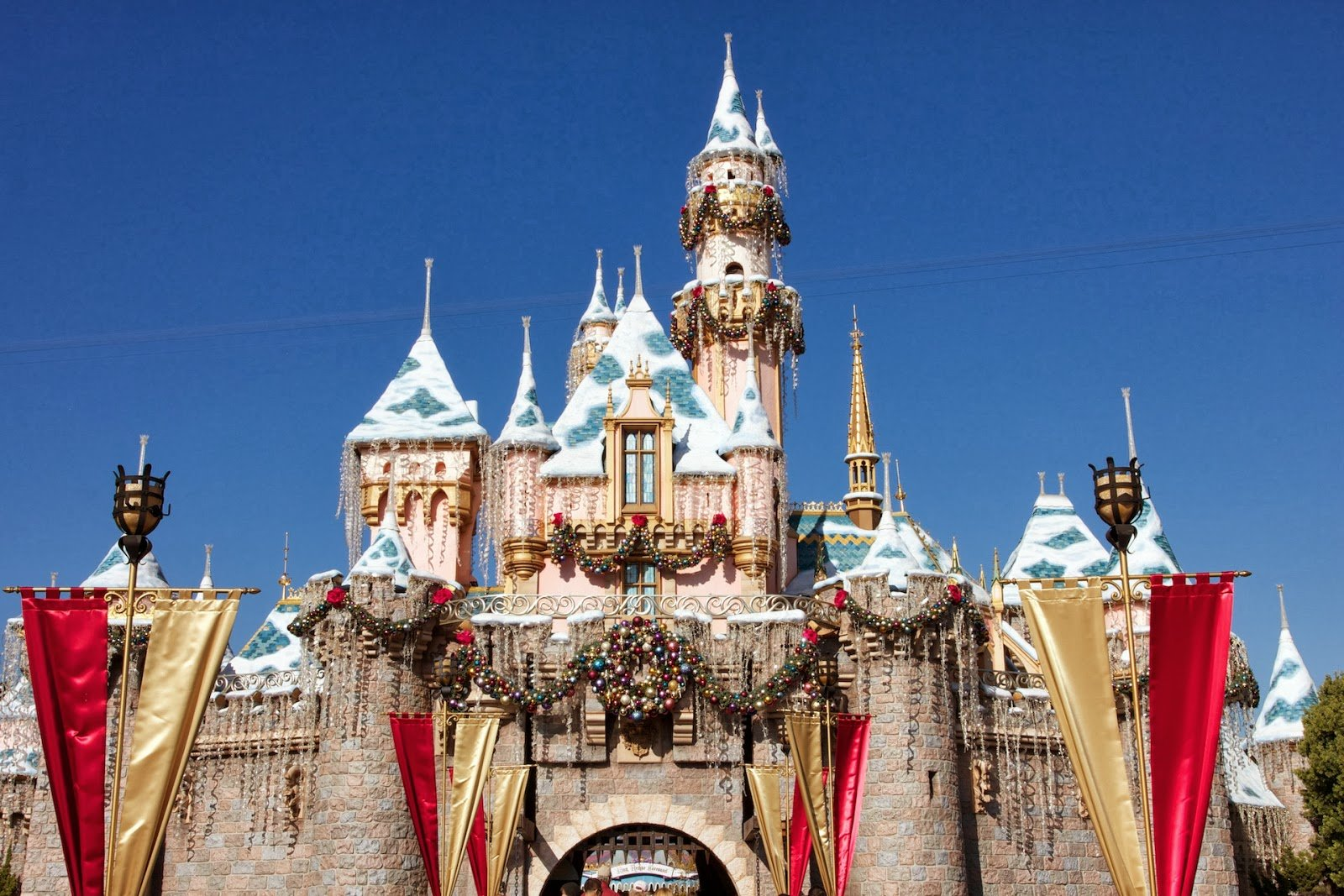 Best HD Wallpapers 4u Download Disney Castle HD Wallpapers 1600x1067
