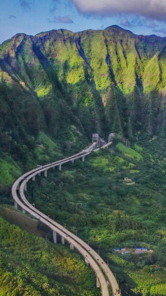 Oahu Hawaii Mountains iPhone Wallpaper Hawaii in 2019 Hawaii 571x1015