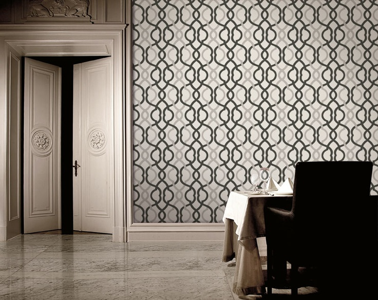Geometric quatrefoil trellis wallpaper