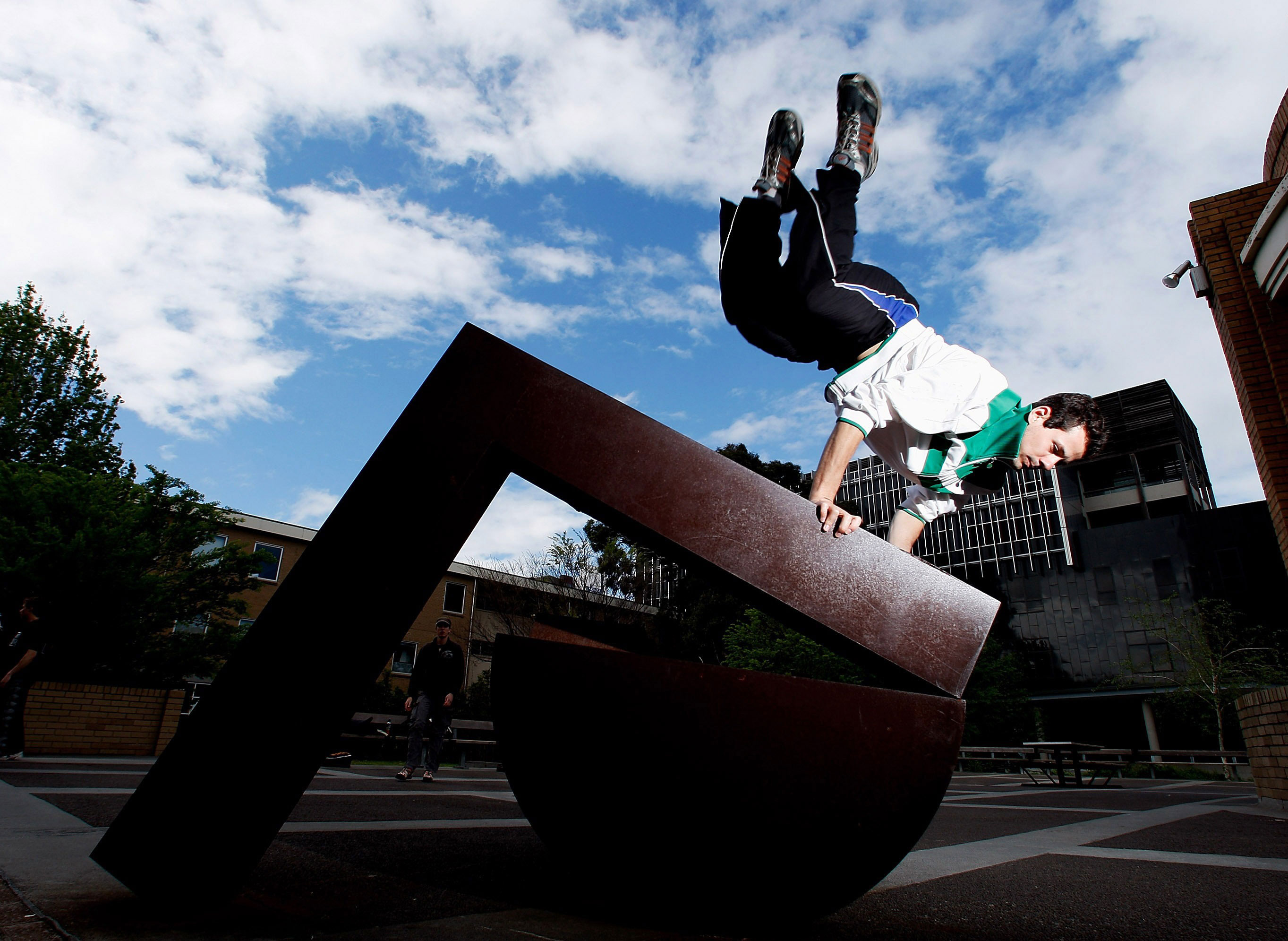 Parkour wallpapers extreme parkour wallpapers Wallpapereorg 2727x1991