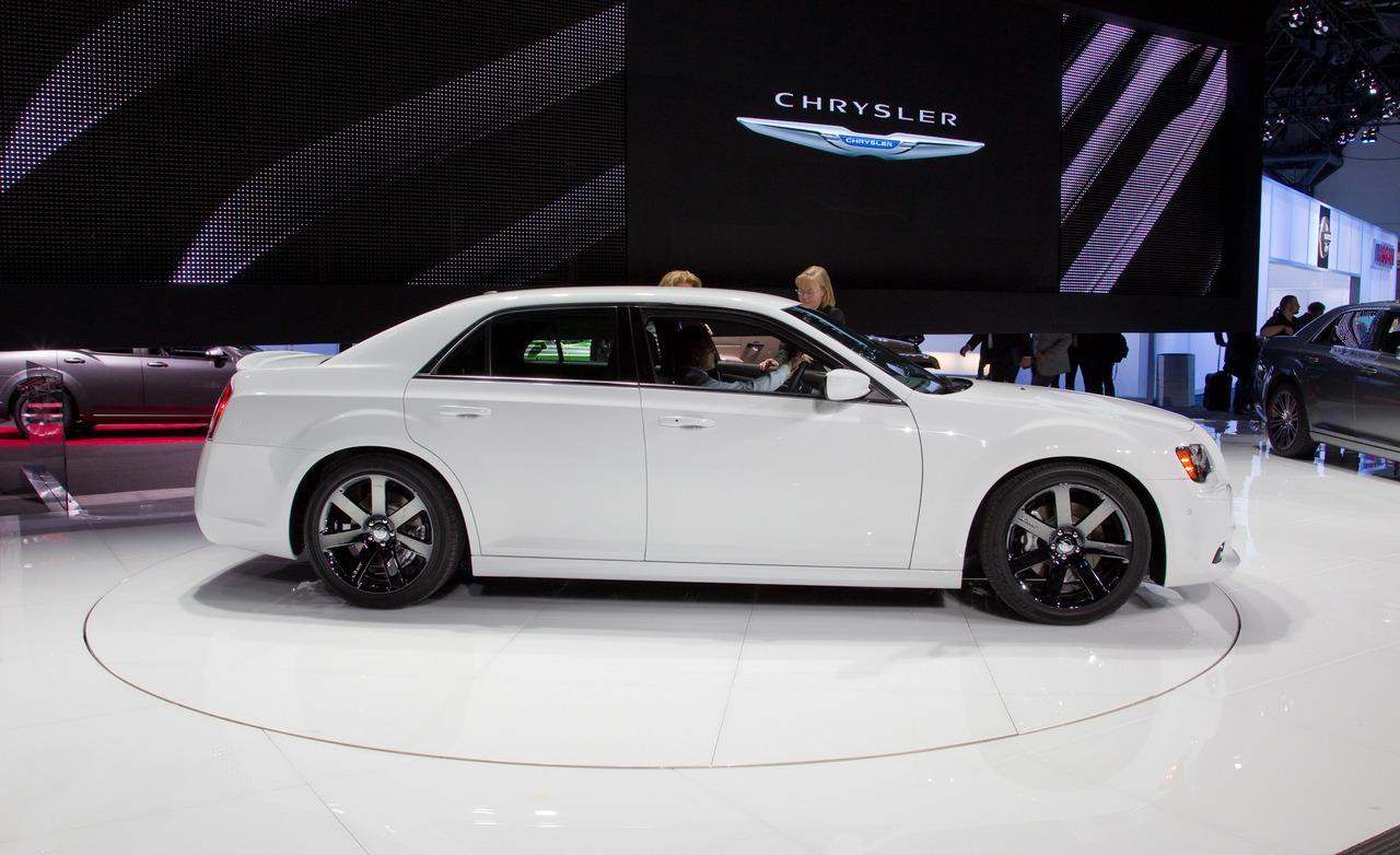 2017 Chrysler 300 Wallpaper - WallpaperSafari