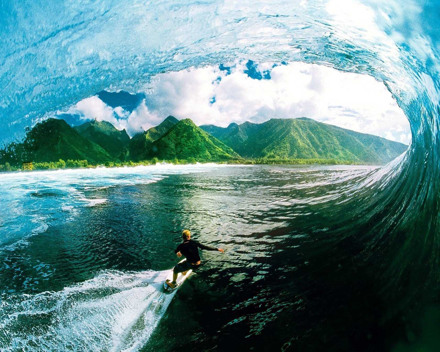 Surfing Screensavers And Wallpaper