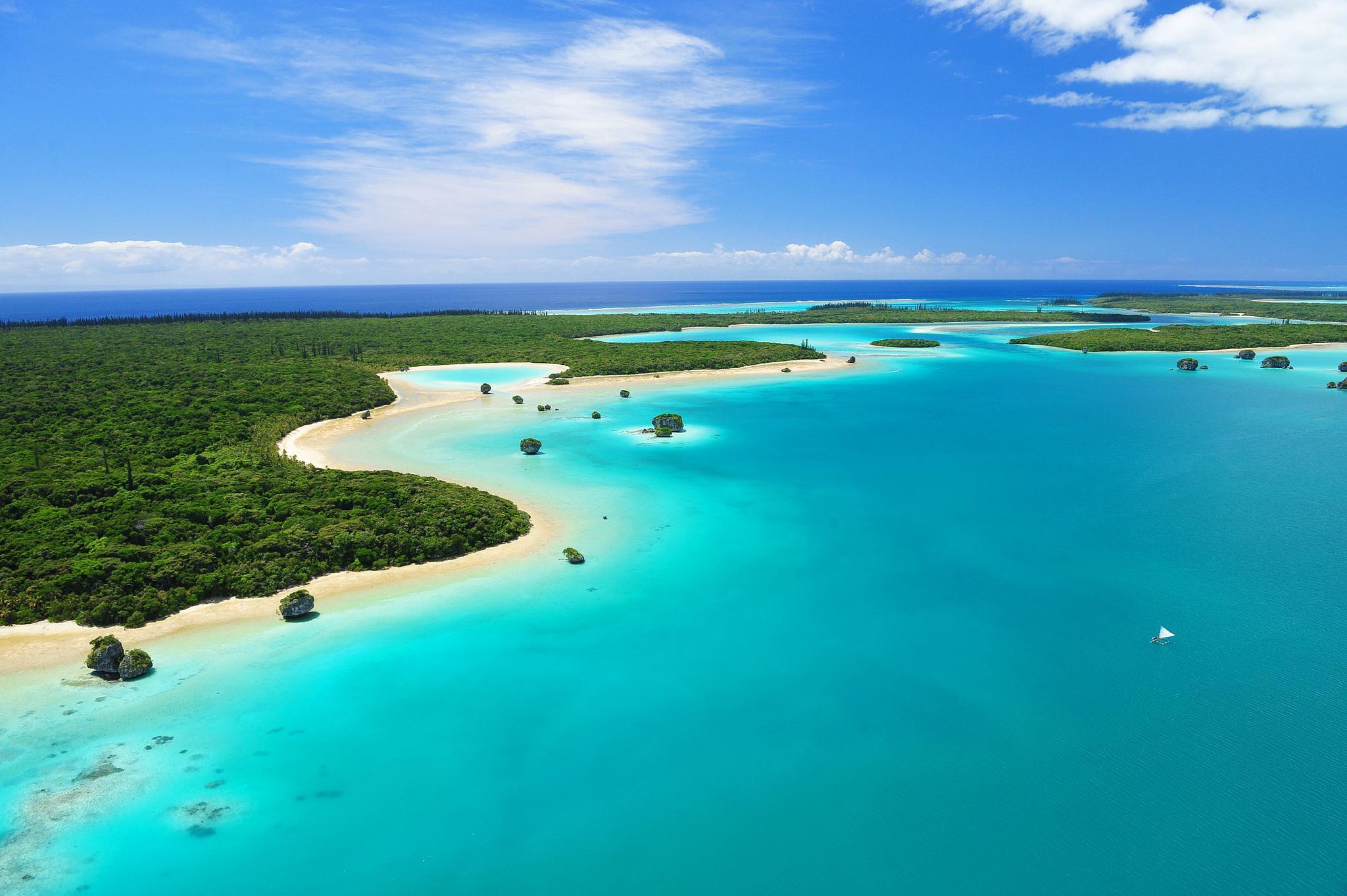 New Caledonia South Pacific Island HD desktop wallpaper 2048x1363