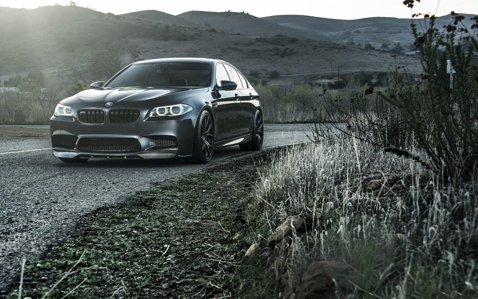36 BMW M5 F10 wallpapers HD High Quality Download 1680x1050